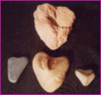 Piedras en forma de corazón