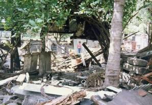 destrozos-tsunami-masachapa-viajes-inusuales