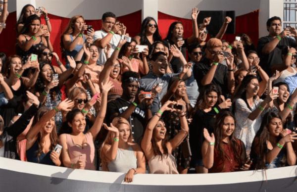 Fans en la alfombra roja de los Óscar