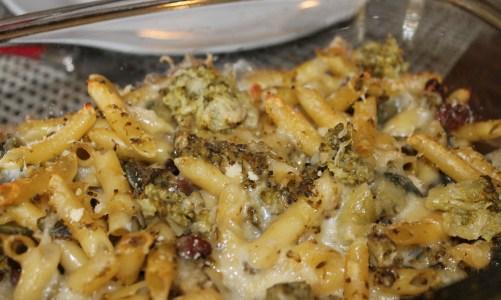 """Penne con broccoli y uvas pasas para """"En dos cocinas: Menú de otoño"""""""