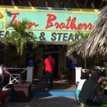 Twin Brothers em Nassau
