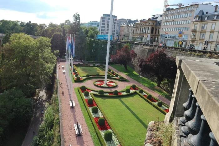 Luxemburgo Place de la Constituition1