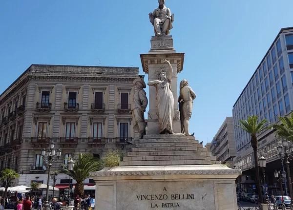Atrações de Catânia Piazza Stesicoro Bellini