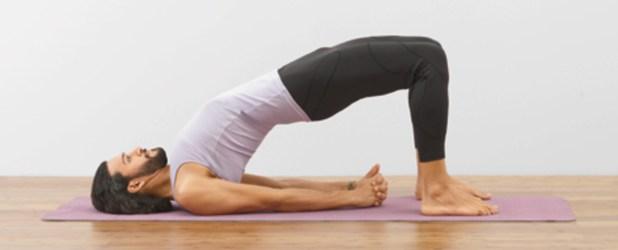 Postura del puente en yoga
