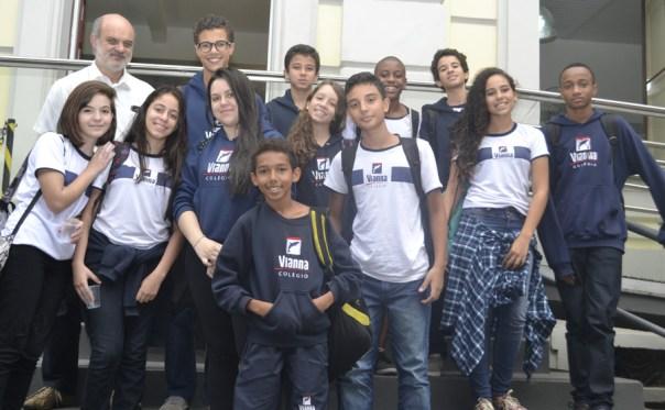 Alunos do Colégio Vianna Jr participam da instalação da Câmara Mirim