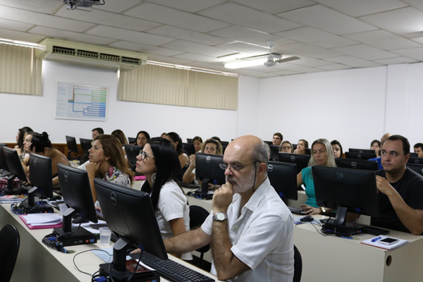 Professores durante treinamento do Google For Education