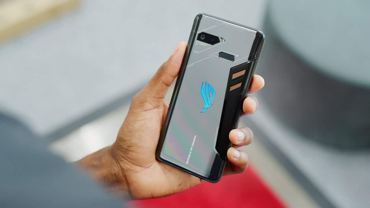 Tampilan Belakang Smartphone Gaming Asus ROG