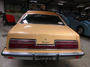 BB_Auktion13April_FordThunderbird_1977 (2)