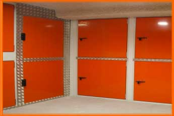 "Self Storage. trasteros con ""boxes"" de doble altura"