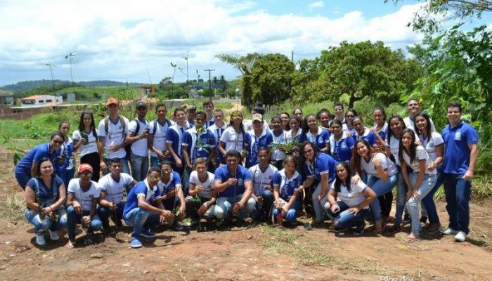 No dia da árvore, Prefeitura realiza palestras e plantio de mudas no município