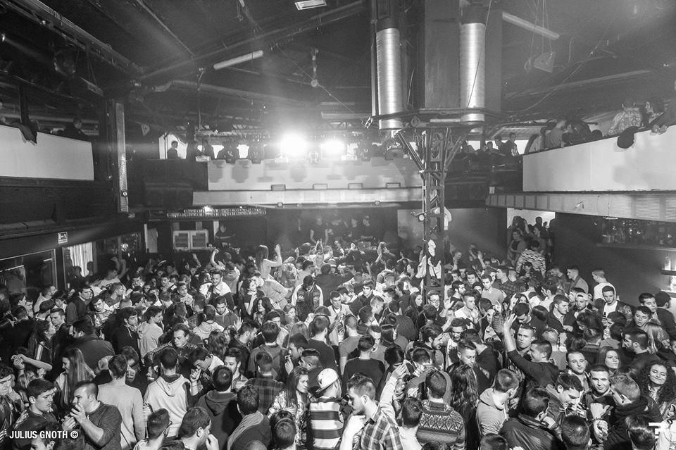 Las 10 discotecas m s m ticas de valencia vicent marco - Discoteca akuarela valencia ...