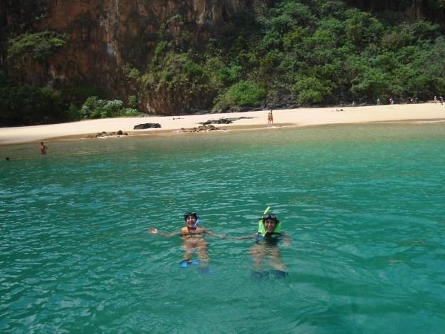 Mergulho em snorkel em Fernando de Noronha.