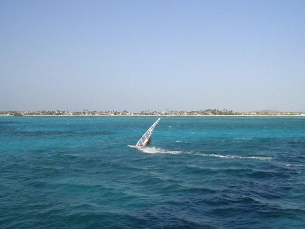 o que fazer em aruba windsurf