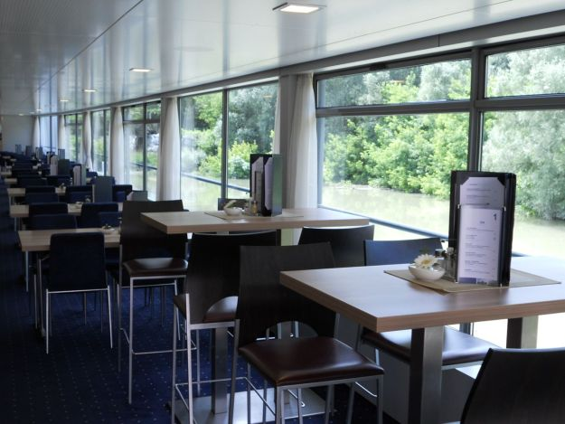 restaurante barco rio danúbio