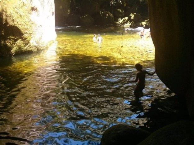 o que fazer em guapimirim cachoeira poço verde