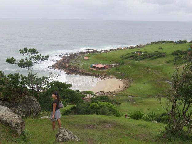 Vista da Praia do Maço, uma das praias de Pinheira. Foto: Marcelle Ribeiro.