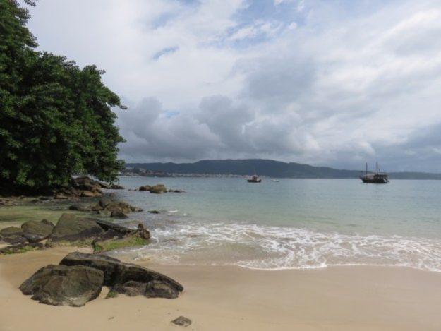 praias de bombinhas embrulho
