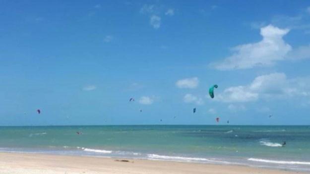 kitesurf na praia de cumbuco