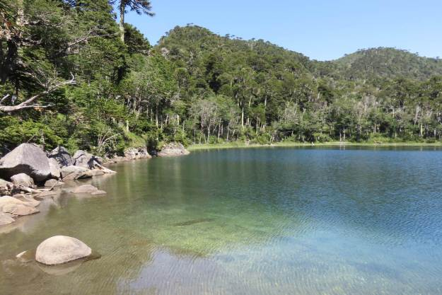 Laguna Verde, no Parque Huerquehue
