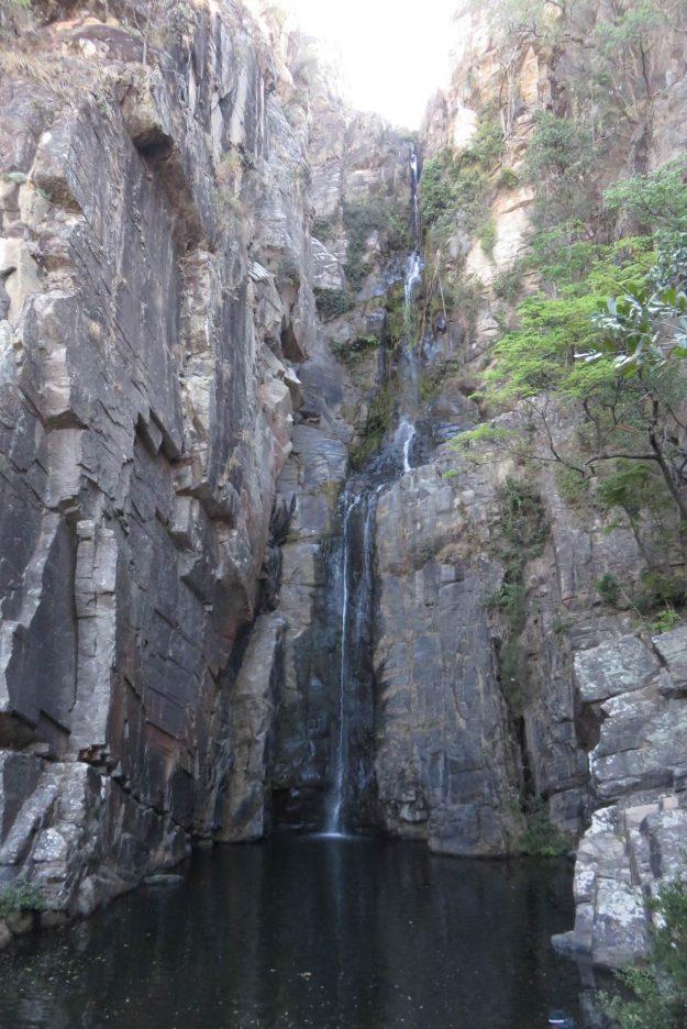 cachoeiras-na-serra-do-cipo-veu-de-noiva