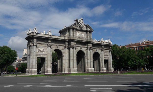 madrid-monumento-porta-alcala