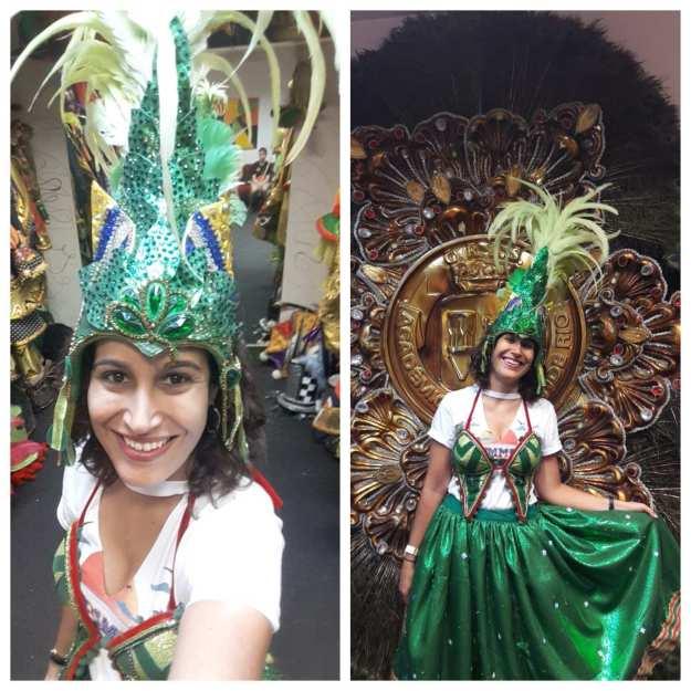 blogueira com fantasia de carnaval na cidade do samba rj