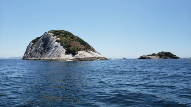 passeio ilhas cagarras barco