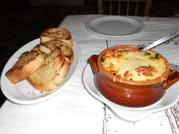 ilha de milos grecia restaurante archondoula