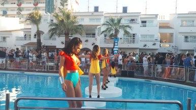 dançarina piscina o que fazer em ibiza