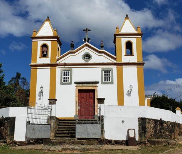 igreja bichinho mg