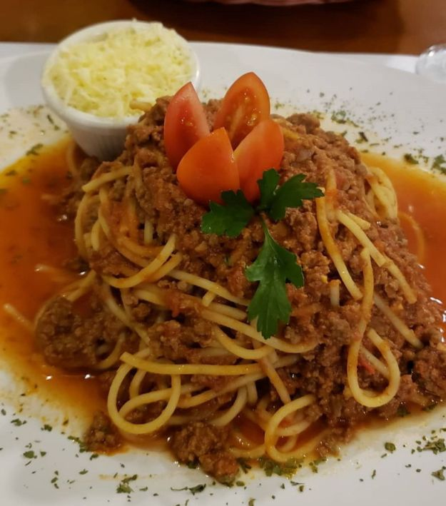 espaguete bolonhesa onde comer em tiradentes