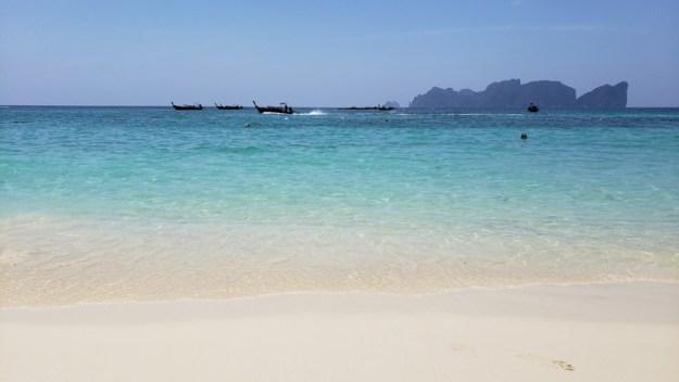 long beach onde ficar em phi phi