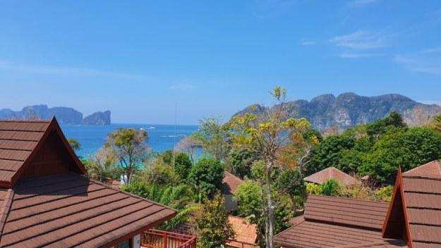 long beach hotel phi phi