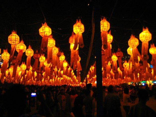 o que fazer em chiang mai festival das lanternas