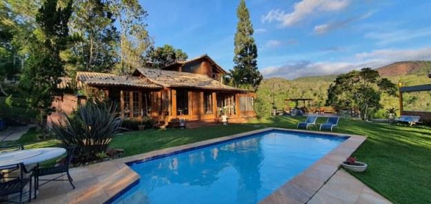casa piscina secretario airbnb rj