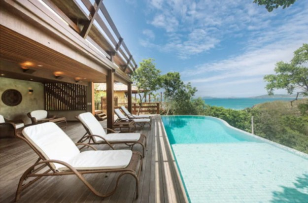 casa piscina borda infinita Airbnb RJ