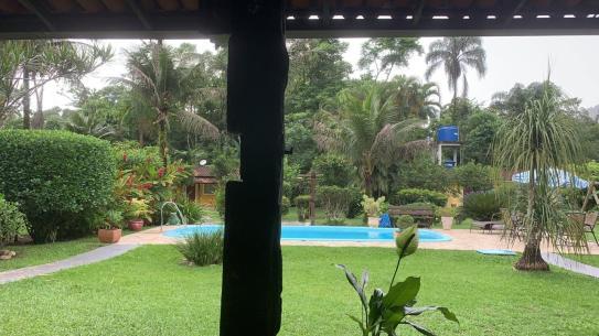 casa angra piscina airbnb rj