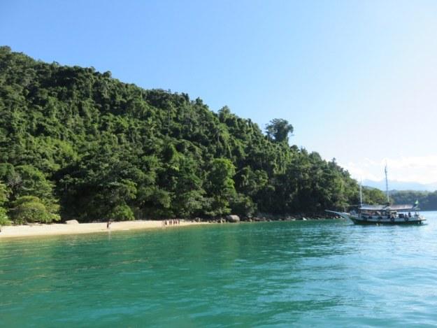 passeio de barco em paraty praia lula