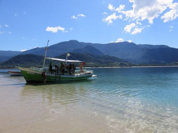 praias de paraty desembarcando ilha pelado