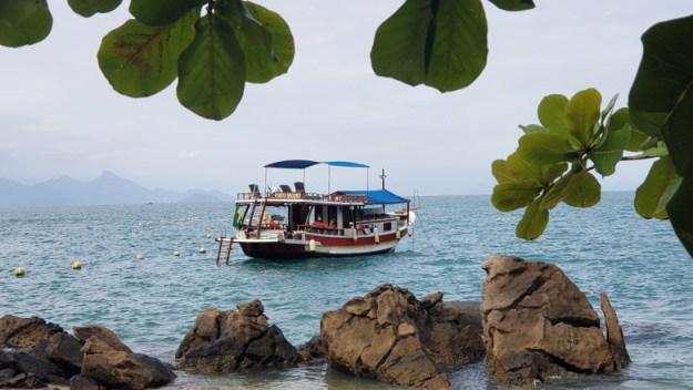 barco porto seguro passeio de barco privativo em paraty