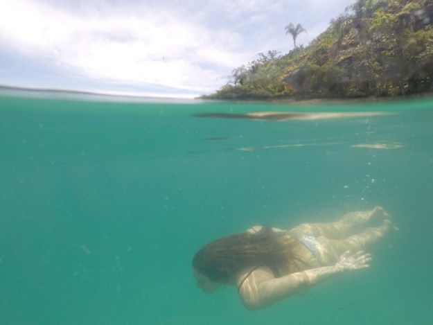 ilha dos cocos passeio de barco privativo em paraty