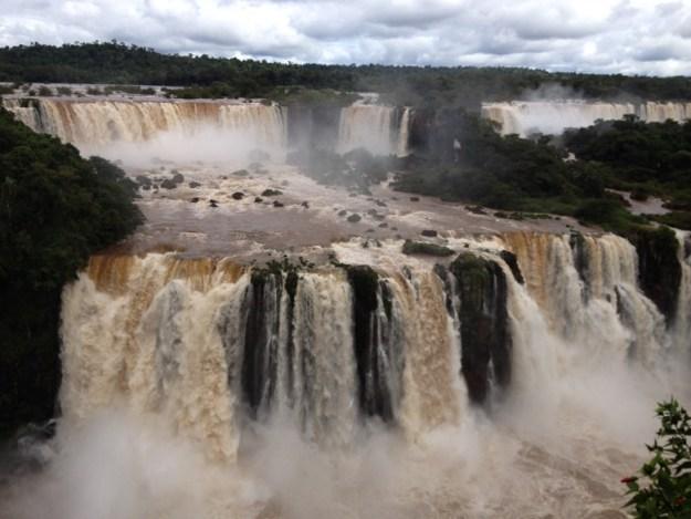cataratas foz do iguaçu lugares para viajar sozinha no brasil