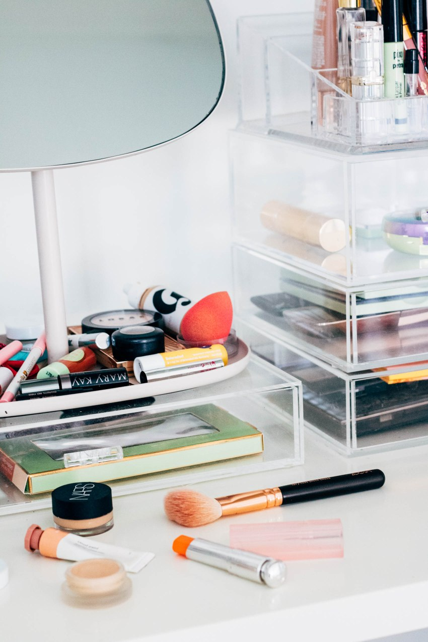 How To Declutter Your Makeup - www.viciloves.com - @viciloves1 | How To Declutter Your Makeup: 5 Essential Beauty Tips featured by top US beauty blog, VICILOVES