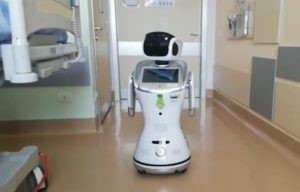 Robot in corsia