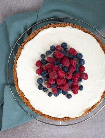 Vicky van Dijk | Citroen-mascarpone taart met zomerfruit