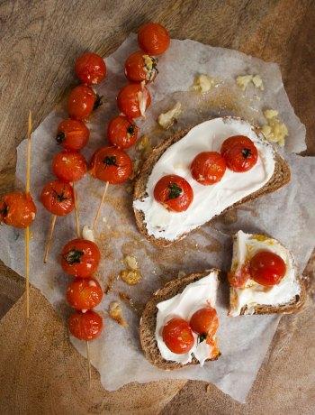 Vicky van Dijk | Geroosterde cherrytomaatjes in knoflookolie