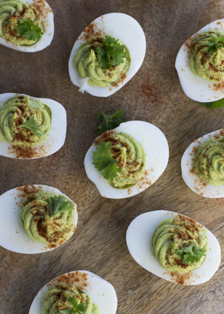 Gevulde eitjes met avocado