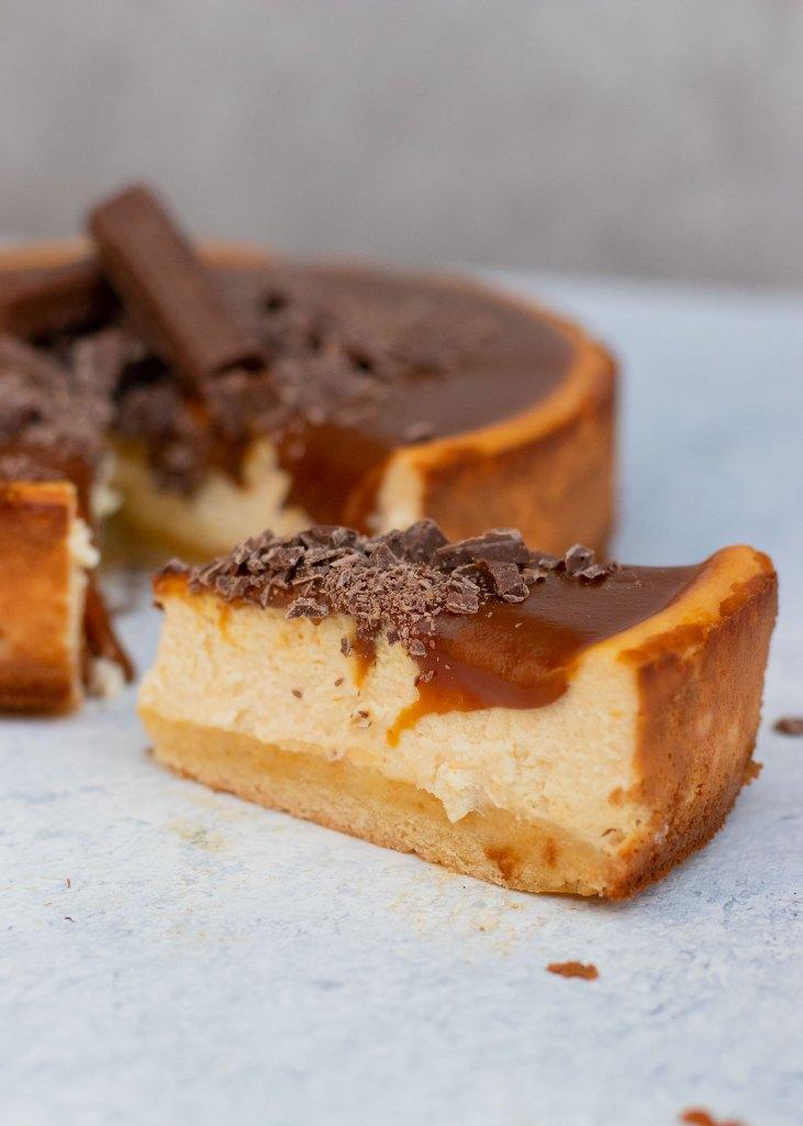 Cheesecake met gezouten karamel & chocolade