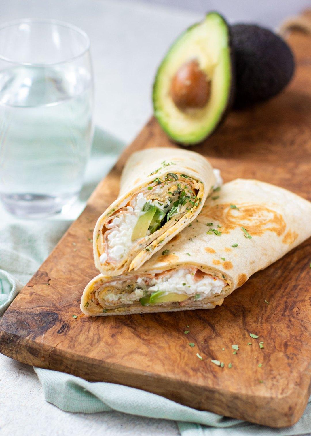 Wrap met ei, cottage cheese & avocado