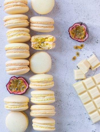 Macarons met witte chocolade ganache & passievrucht